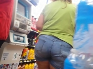 candid culona bbw fat ass in tight shorts
