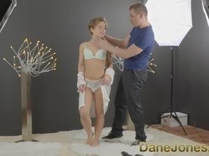 DaneJones Beautiful woman gets sensual shaved pussy creampie