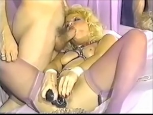 Felisha brushing her pussy with a spiky toy