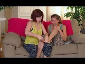 2 hot lesbians finger each others hairy pussys, pits