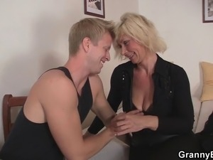 Old blonde women pleases young guy Grannies, Matures, Old, Old-guy, Pleases,...
