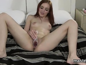 Unusual czech chick stretches her juicy vagina to the strang