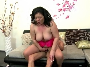 Sex bomb mother fucks not her son