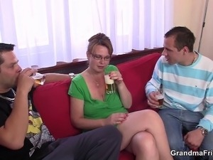 Cocksucking old mature takes it in the ass
