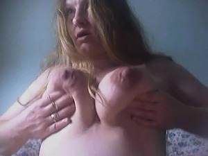 Pregnant Liza squirting for me on home webcam