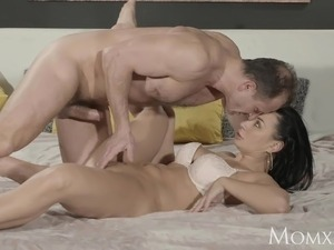 MOM Squirts her delicious pussy juices