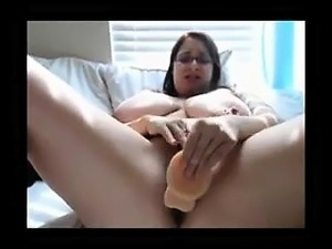 Fat Puffy Gril Masturbation