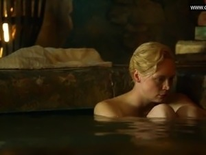 Gwendoline Christie - Flashing her naked body, Bare Butt - Game Of Thrones