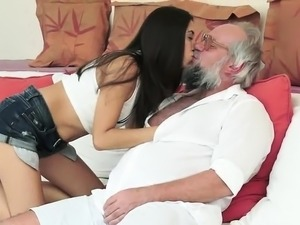 naughty-hotties net - Old Man gets to Sample a Young Cutie