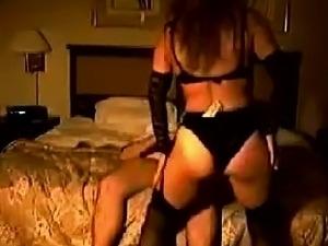 Some warm slut dance before her boy friend home made videos